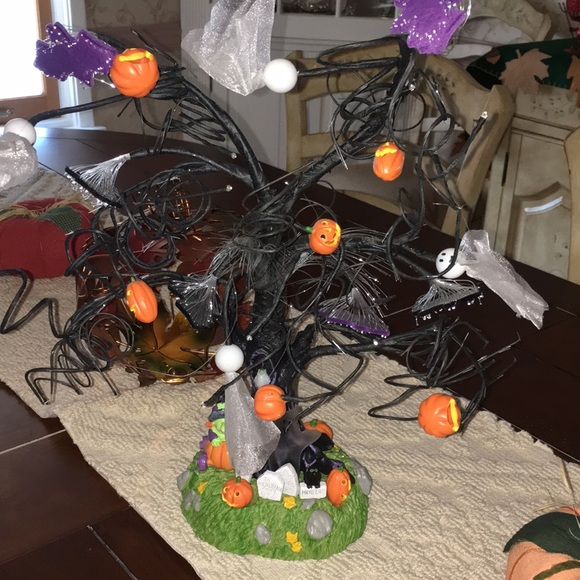 Avon Holiday Glowing Fiber Optic Halloween Tree New In Box